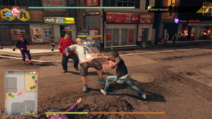 As ruas de Kamurocho eventualmente são tomadas pela Keihin Gang, mas as ondas de inimigos se tornam cansativas após dezenas da horas investidas no jogo.